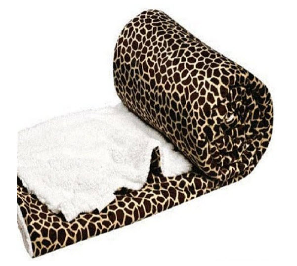 Giraffe Print Bedspread - r